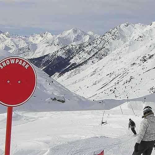 Snowpark Pyrenees ski snowborad Bareges Tourmalet La Mongie