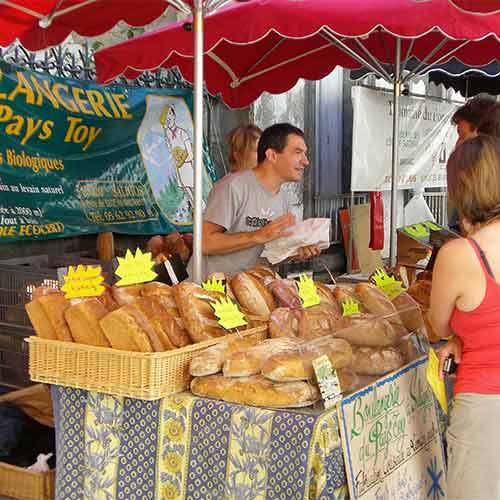 Luz St Saveur market boulangerie